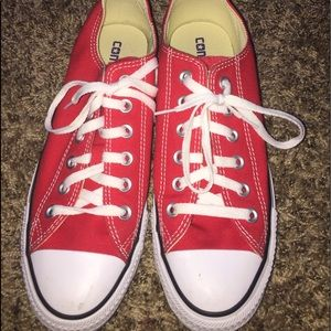 Converse ( red low tops)